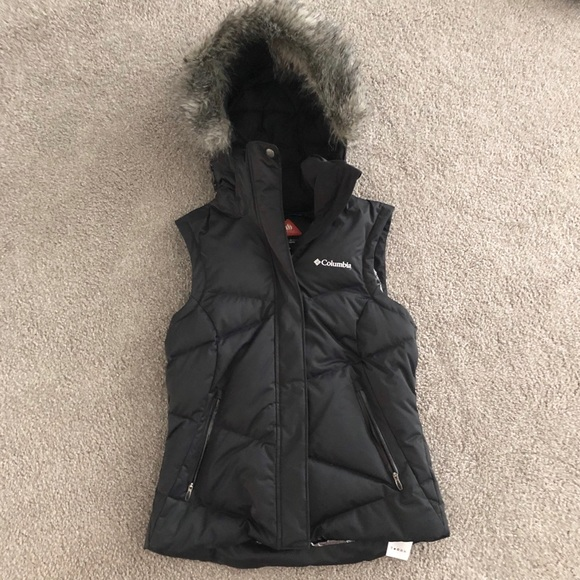 Columbia Jackets & Blazers - Columbia down vest with fur lined hood